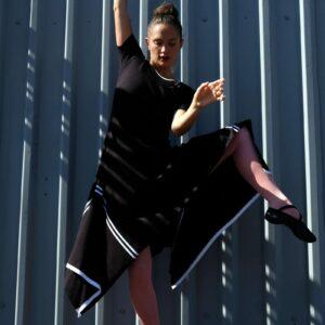 MATY šaty s cípatou sukní