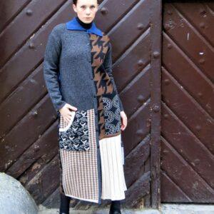 VITKA vel.M-pletený kabát / vícebarevný patchwork
