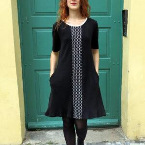 NOIRA II- černé šaty s kapsami